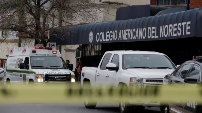 Mexico student injures four before shooting himself at a school